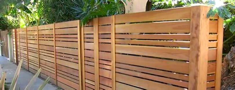 Dřevěný plot z lišt