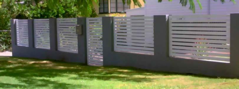 Moderní bílé dřevěné oplocení