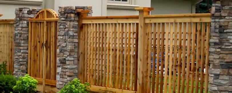 Dřevěná velmi úzká výplň plotu