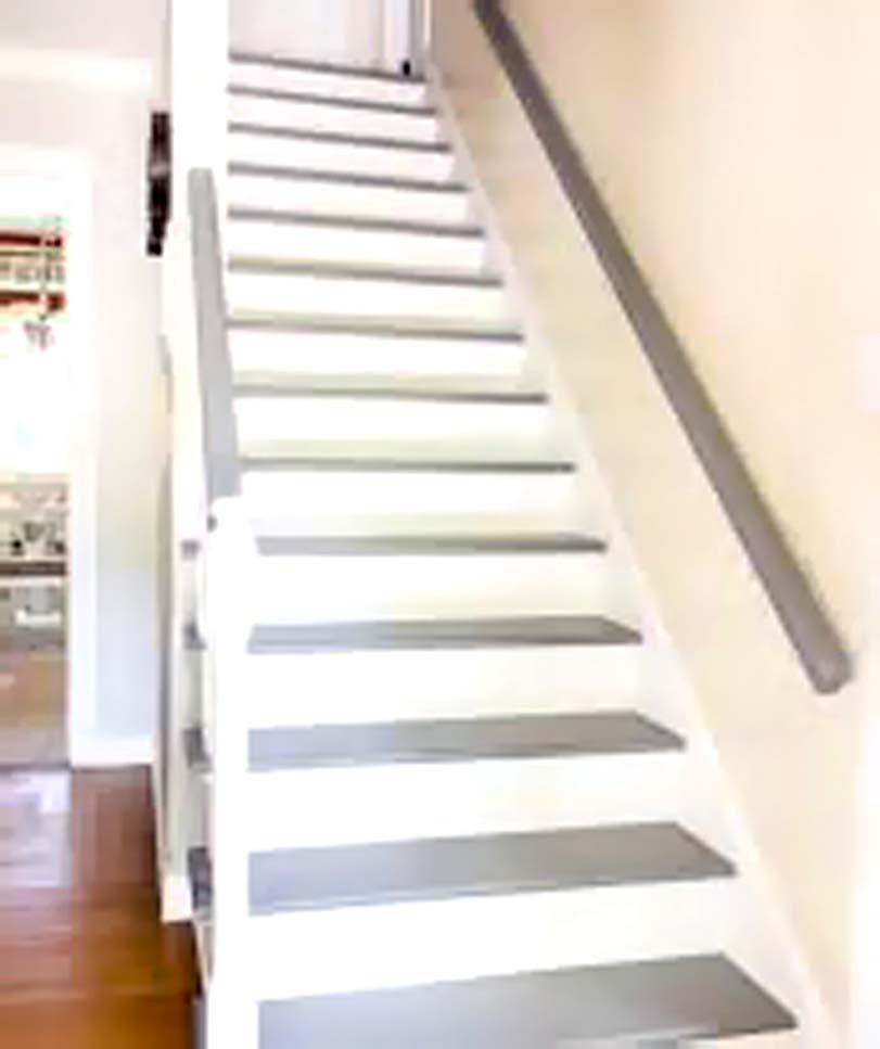 Šedobílé schody
