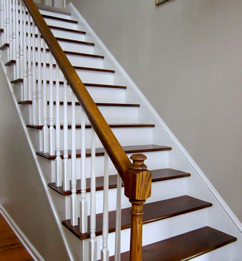 Bílé schodiště, dřevné prvky