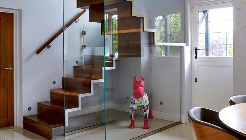 Moderní domácnost, schodiště